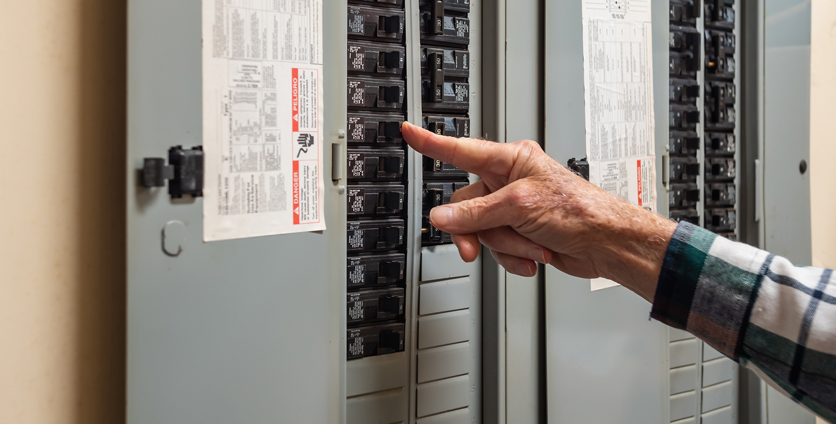 Electrical Services   CBUS Home Improvement   Columbus, OH